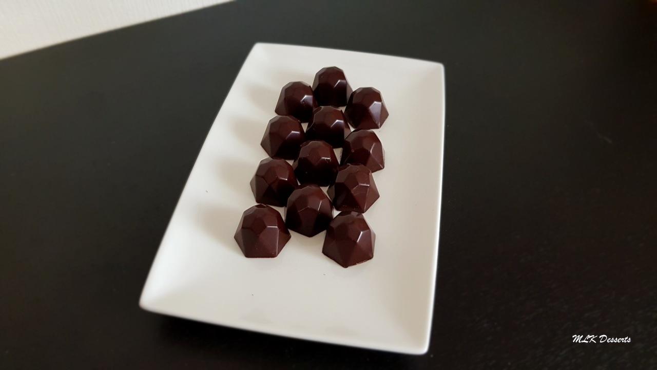 Chocolats fourrés au Gianduja maison et noisette entièretorréfiée