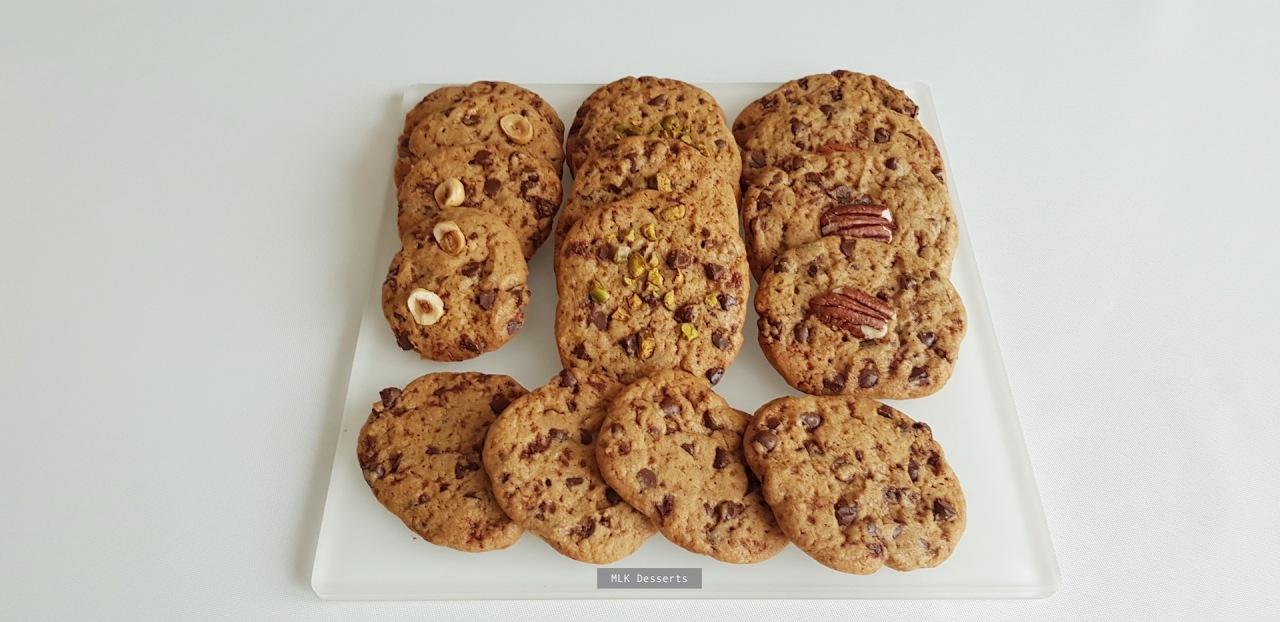 Cookies aux pépites de chocolat, éclats de pistaches, noisettes et noix depécan