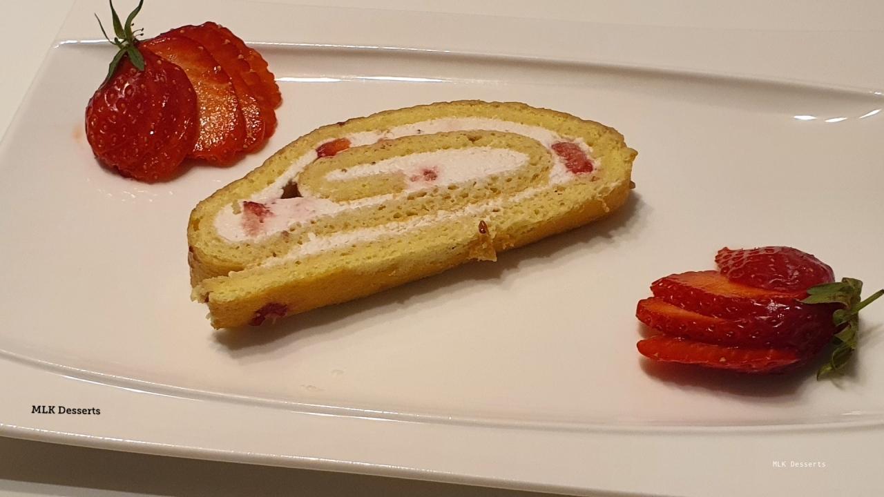 Biscuit roulé aux fraises «Cyril Lignac»